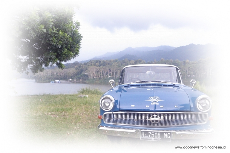 Getting Around Jogja With Classic Opel