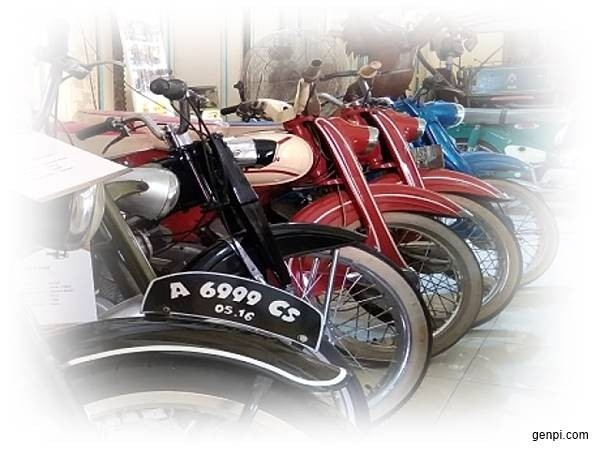 This is A Collection of Antique Motorcycles and Cars in The Museum Kampung Cak Soen
